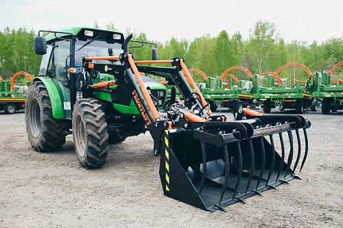 Agricultural pitchfork with bucket TDV.5010